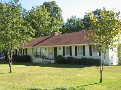 1105 Lake Lane, Demopolis, AL 36732