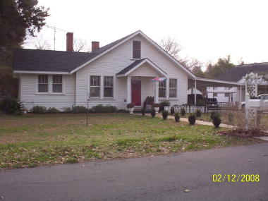 901 South Main, Demopolis, AL 36732
