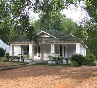 1202 Washington St, Marion, AL 36756