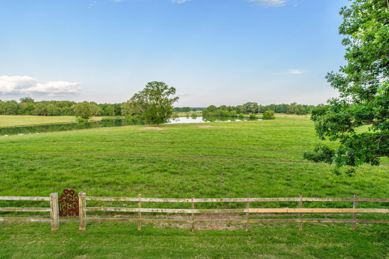 Prairie Oaks Ranch – 241 Pecan Road