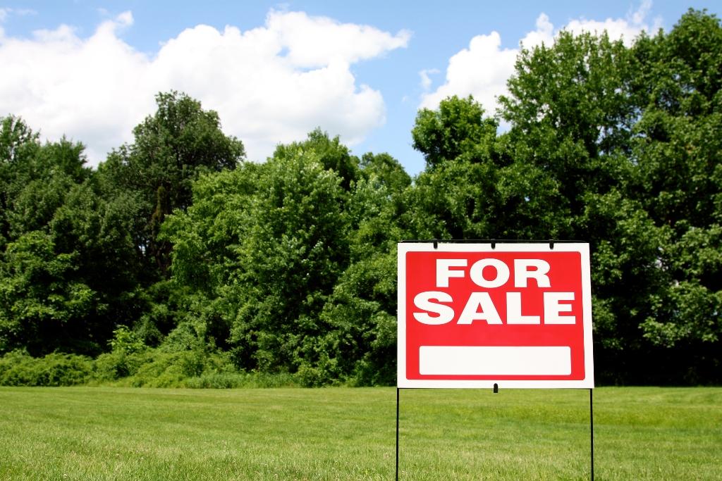 For Sale Sign on Alabama Land